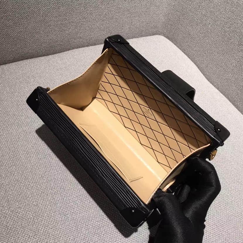 Louis Vuitton スーパーコピー ルイヴィトン ミニショルダーバッグ プティット·マル M54650